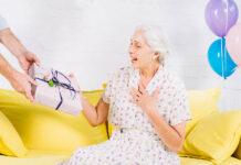 Prezent na Dzień Babci - pomysły i inspiracje